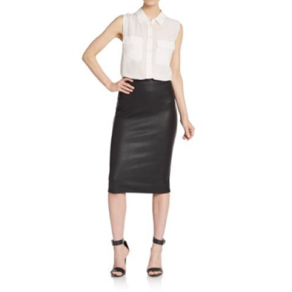 Saks Fifth Avenue Dresses & Skirts - Saks Fifth Ave 5/48 Snakeskin Print Pencil Skirt